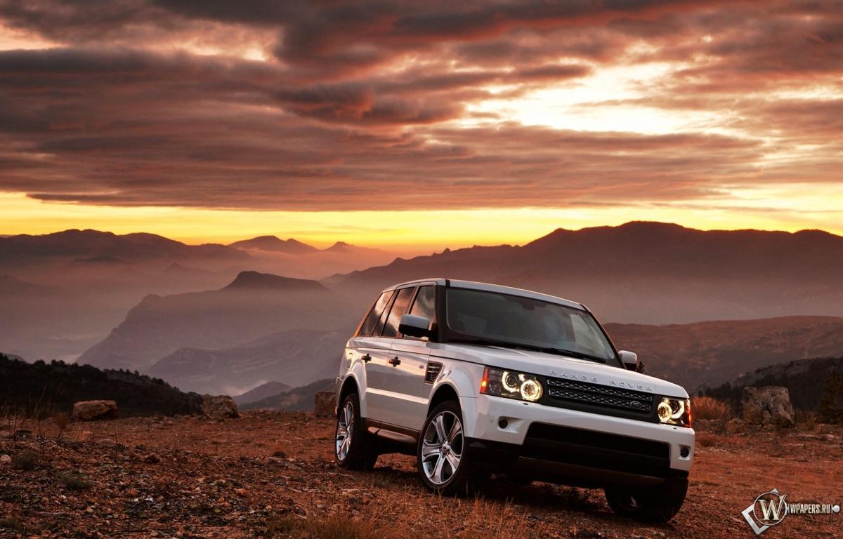 Белый Range Rover 1200x768