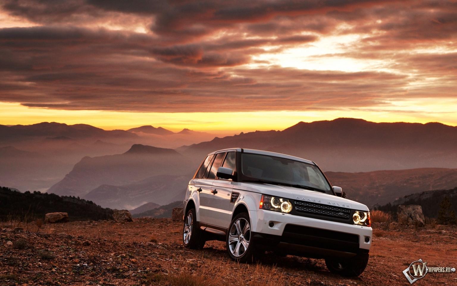 Белый Range Rover 1536x960