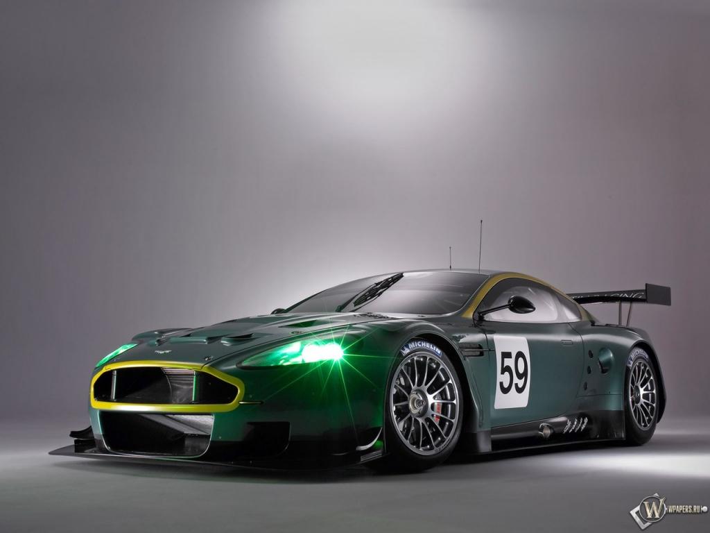 Aston martin DBR9 1024x768