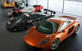 Обои Спорткары: Автосалон, Спорткары, Гоночные авто, Спортивные автомобили