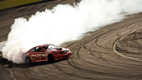 Обои Infiniti в заносе: Дым, Infiniti, Спортивные автомобили