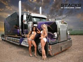 Обои Грузовик с девушками: Грузовик, Две телки, Тягач, Truck, Грузовики