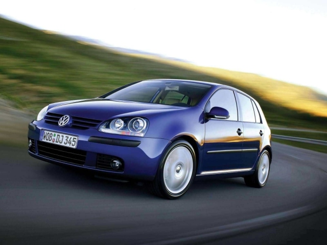 Volkswagen Golf V 2003 г