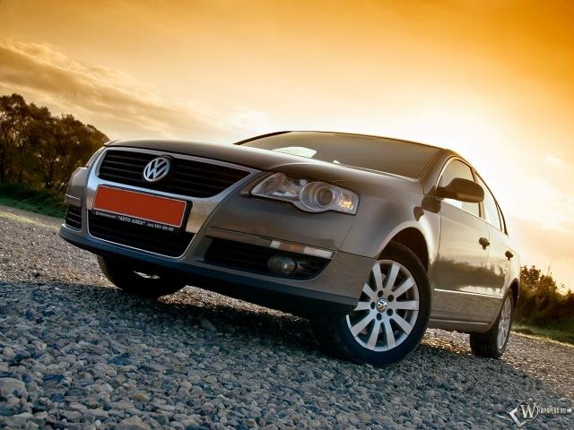 Volkswagen Passat (седан среднего класса)