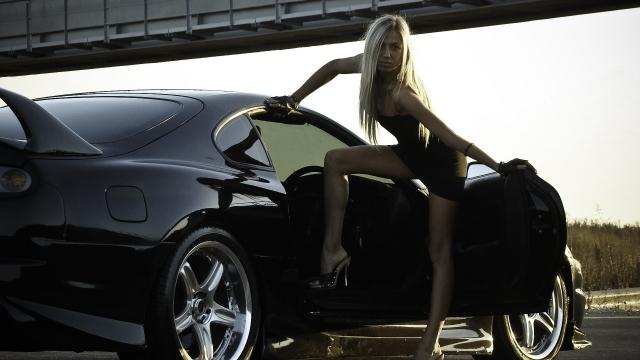 Авто с девушкой