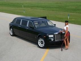 Обои Rolls-Royce: Девушка, Юбка, Rolls-Royce, Водитель, Другие марки