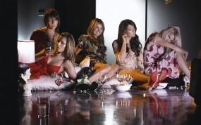 Обои Девушки на вечеринке: Девушка, Модель, Алкоголь, Пол, Бокалы, Девушки