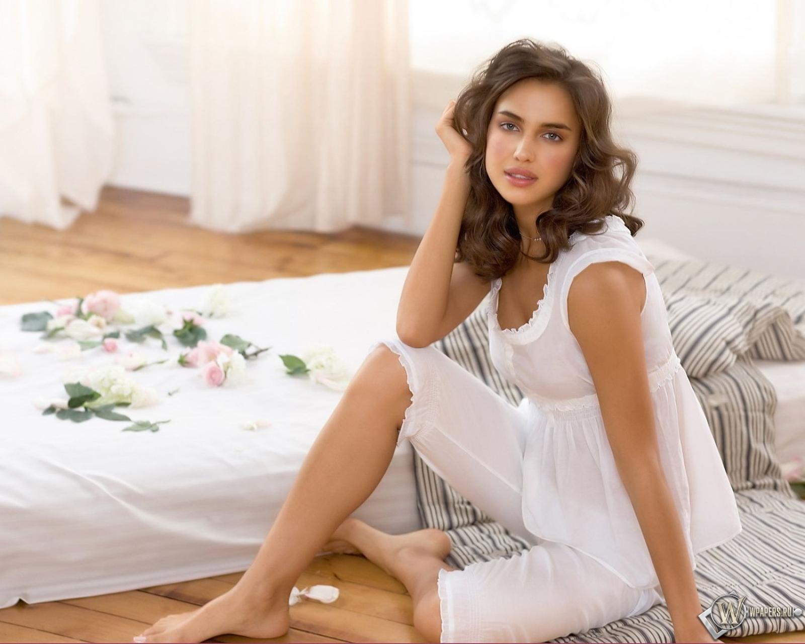 Irina Sheik 1600x1280