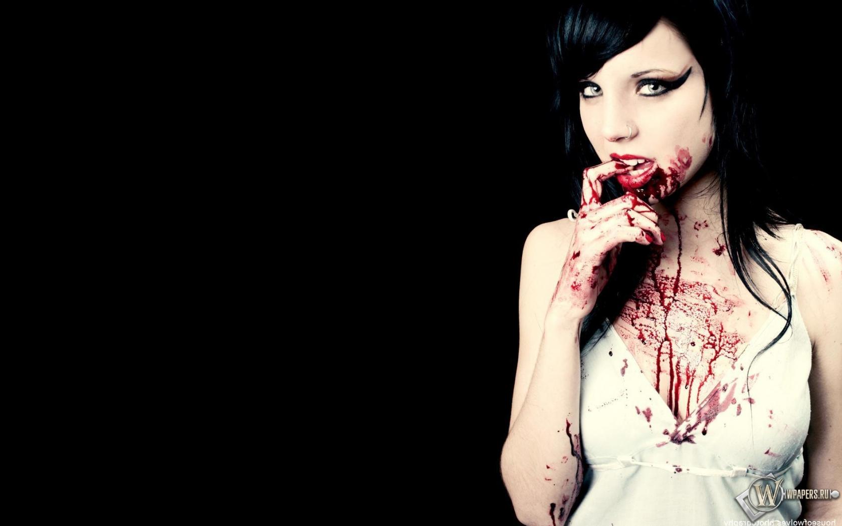Картинка девушка с кровью