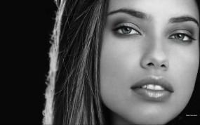 Обои Adriana Lima: Девушка, Взгляд, Лицо, Девушки