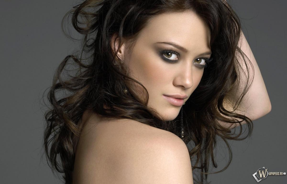 Hilary Duff 1200x768