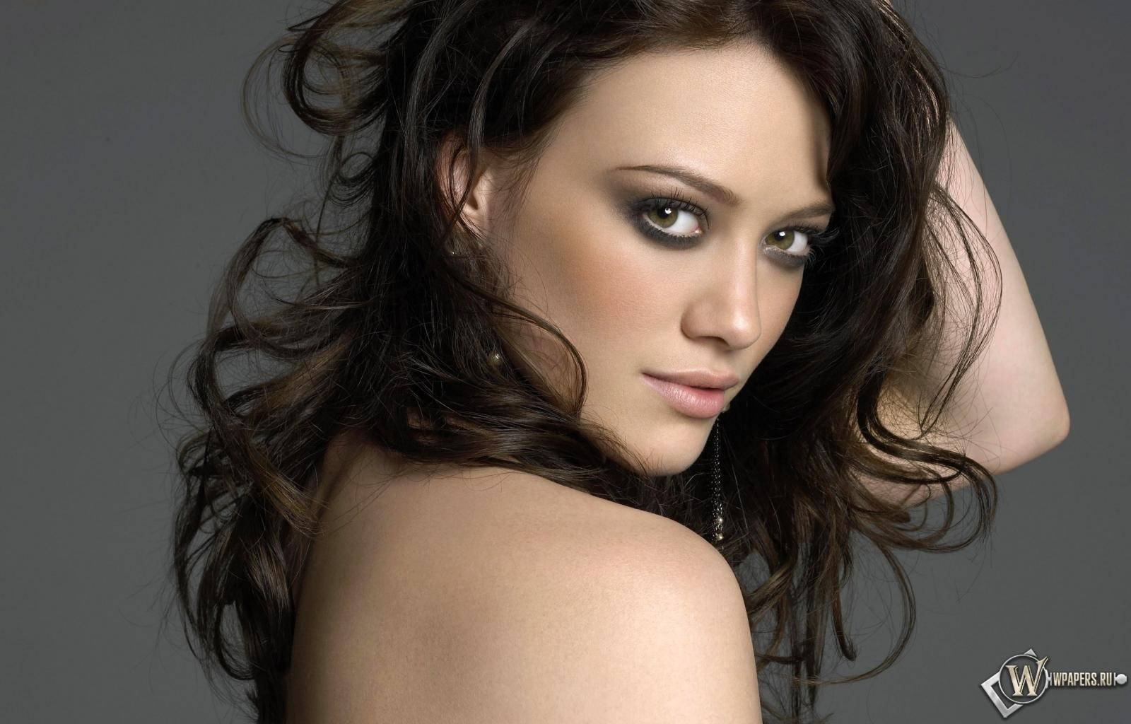 Hilary Duff 1600x1024