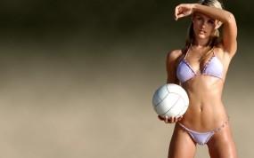 Обои Nicky Whelan: Девушка, Бикини, Мяч, Nicky Whelan, Девушки