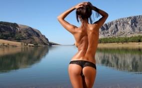 Обои Ela Savanas: Девушка, Озеро, Девушки