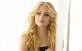 Обои Аврил Лавин: Взгляд, Блондинка, Avril Lavigne, Аврил Лавин, Девушки