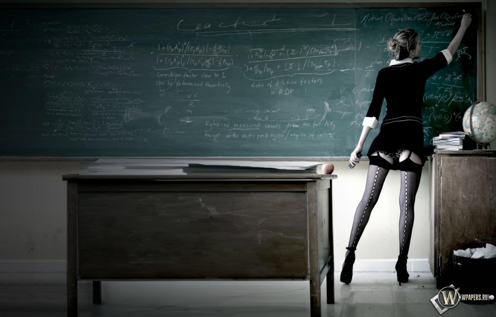 Сексуальная учительница 1600x1024