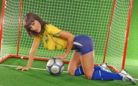 Обои Бразильская болельщица: Футбол, Мячик, Ворота, Бутсы, Болельщица, Боди-арт, Девушки