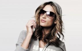 Обои Alessandra Ambrosio: Очки, Alessandra Ambrosio, Мокрые девушки