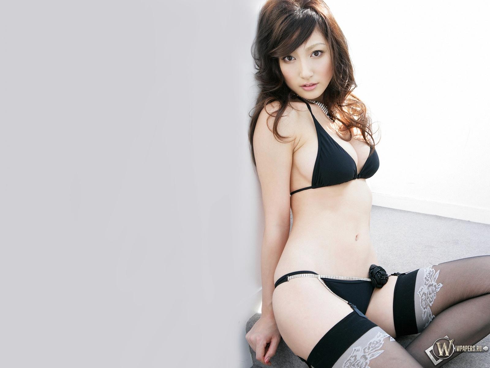 Yoko Kumada 1600x1200