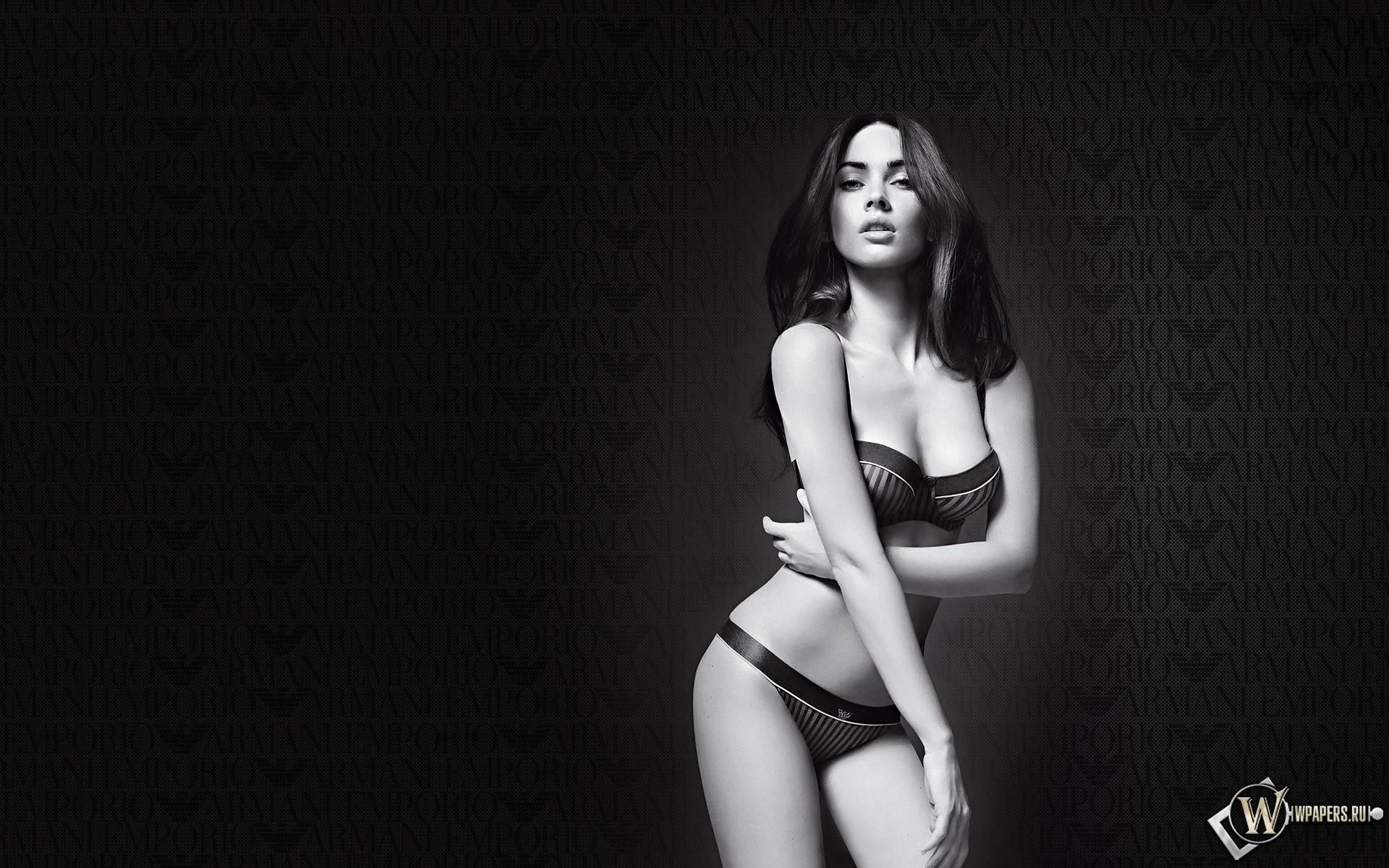 Megan Fox Armani 1920x1200