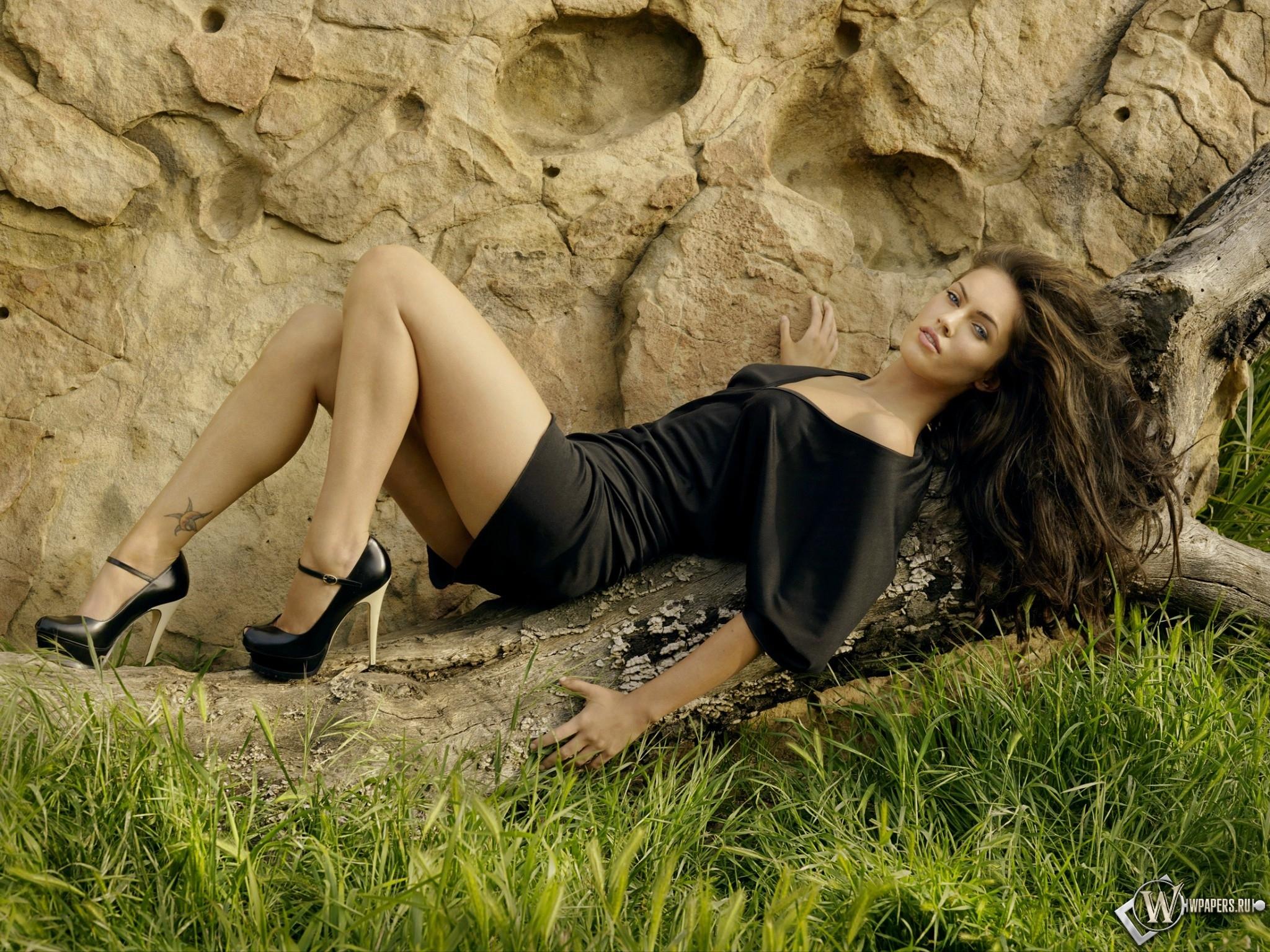 Megan Fox LP 2048x1536