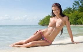 Обои Мелиса Минди: Пляж, Песок, Девушка, Стринги, Melisa Mendiny, Мелиса Минди, Melisa Mendiny