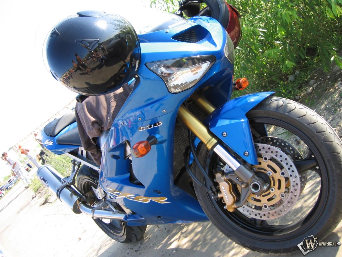 Kawasaki Ninja 1400x1050