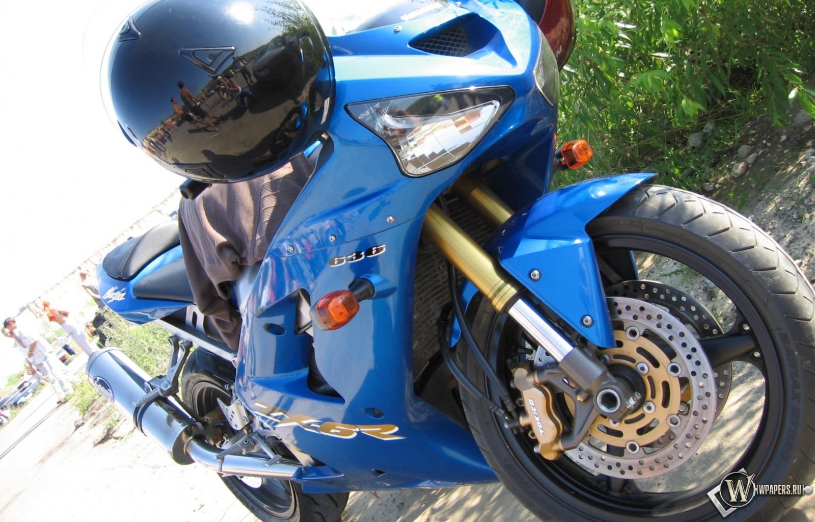 Kawasaki Ninja 1600x1024