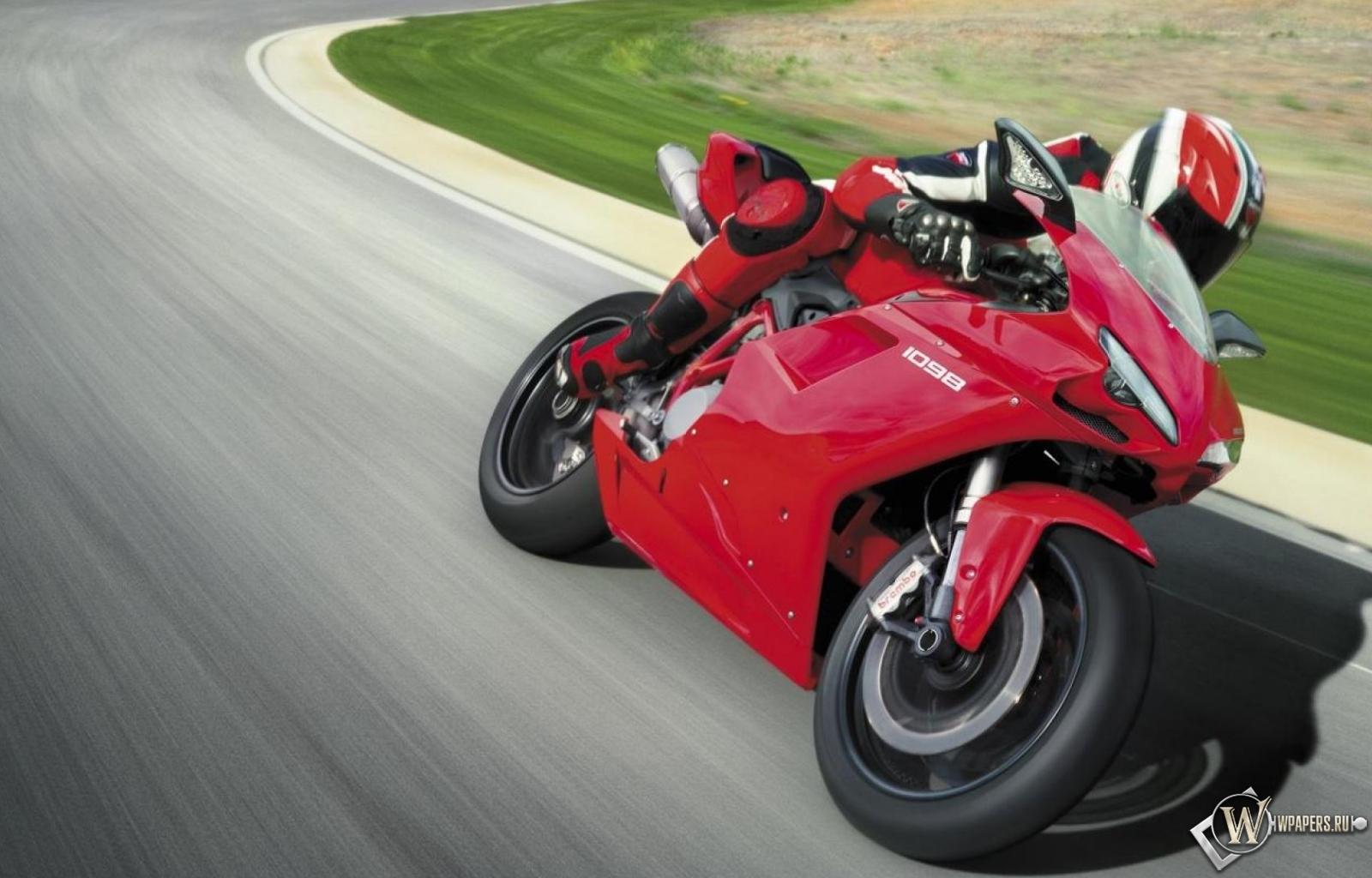 Ducati 1098 1600x1024