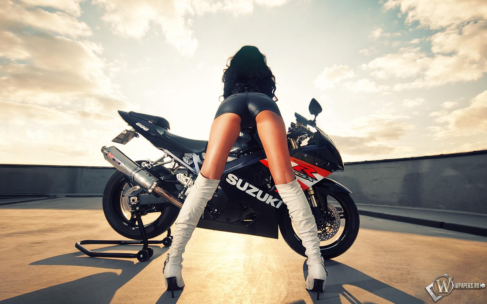 Suzuki с девушкой 1680x1050