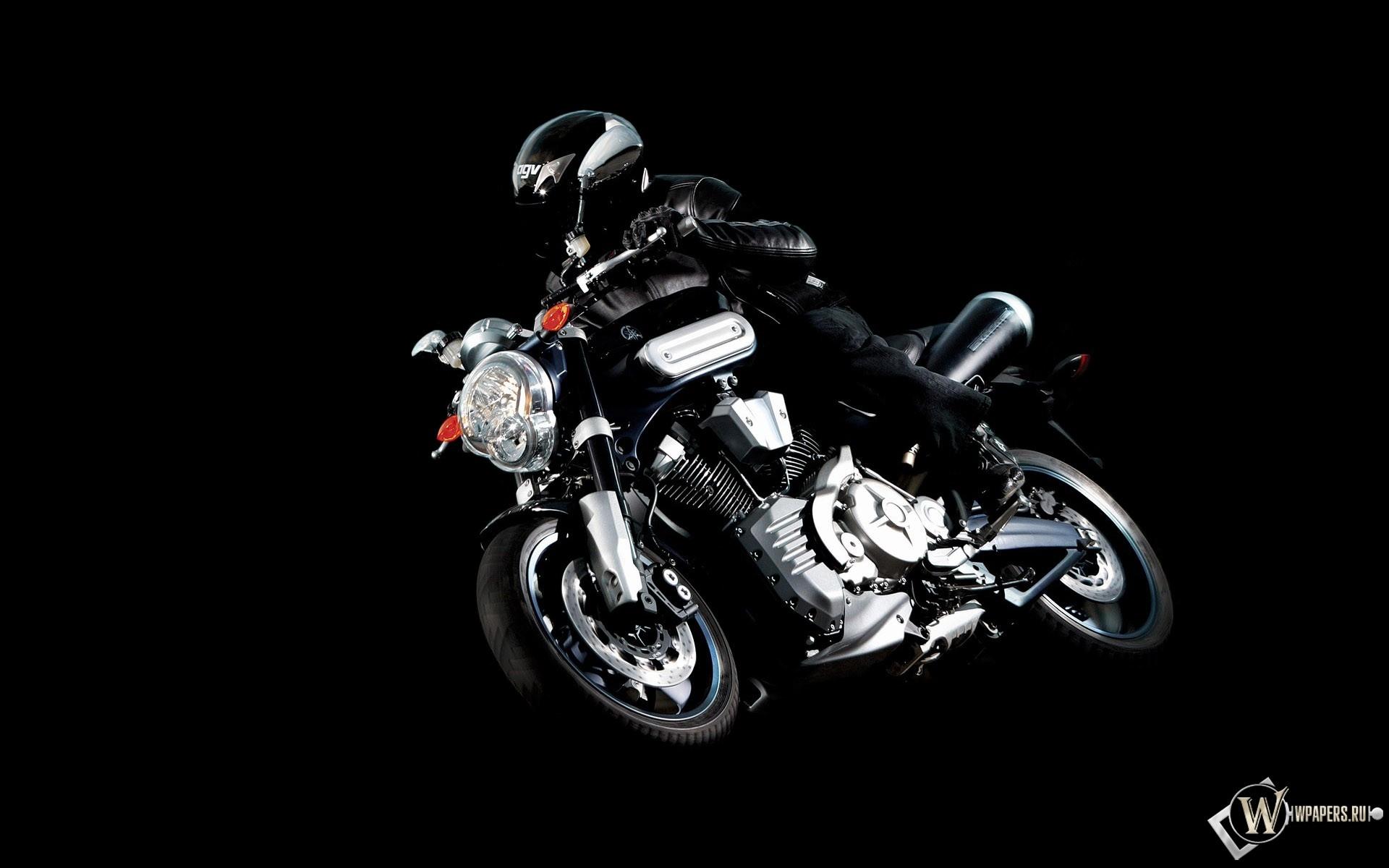 Черная Yamaha МТ-01 1920x1200