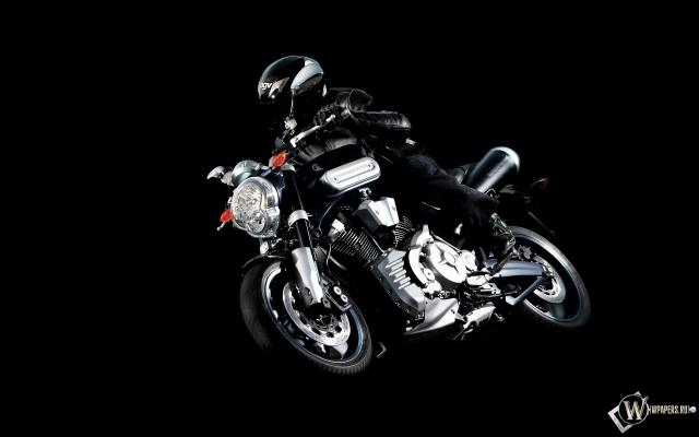 Черная Yamaha МТ-01