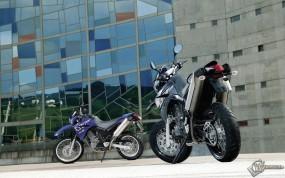Обои Две Ямахи: , Yamaha