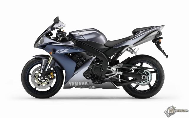 Перламутровый Yamaha