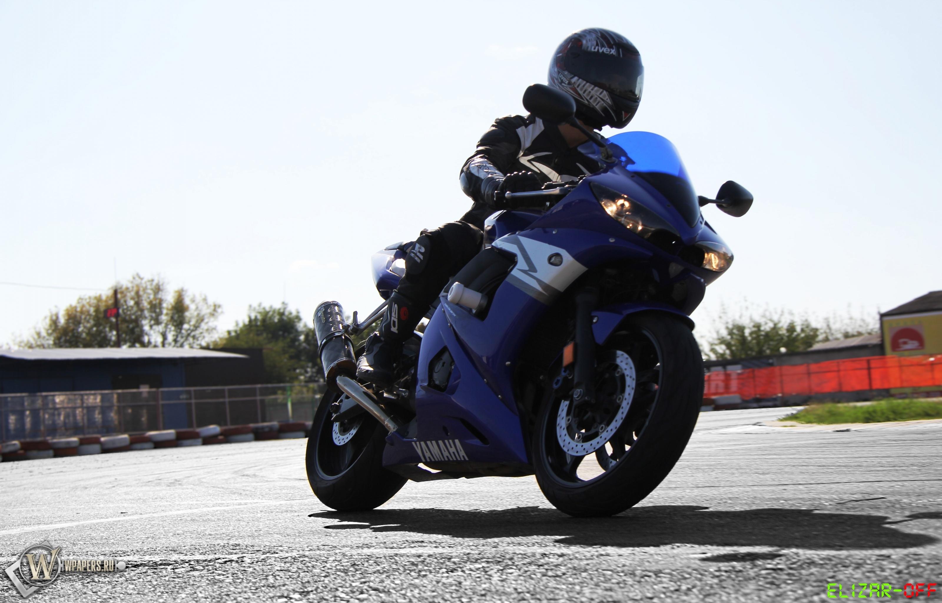 Yamaha R6 3200x2048