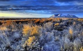 Обои Красивый пейзаж: Горы, Трава, Равнина, Природа