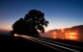 Обои Вечерний пейзаж: Дорога, Деревья, Ночь, Вода и небо