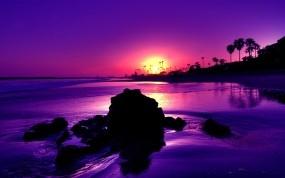 Обои Фиолетовый закат: Закат, Камни, Берег, Природа