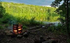 Обои Костёр на берегу озера: Лес, Природа, Озеро, Берег, Костер, Природа