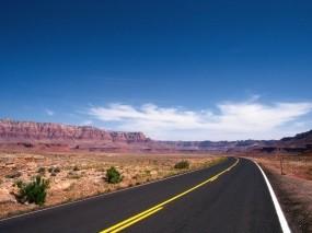 Обои Дорога в пустыне: Пустыня, Дорога, Природа