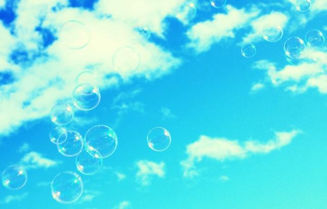 Мыльные пузыри в небе