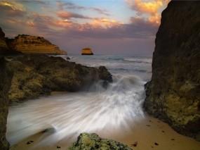 Обои Море и камни: Море, Камни, Небо, Волна, Природа