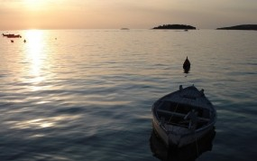 Обои Лодка на море: Волны, Вода, Море, Лодка, Природа