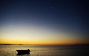 Обои Лодка на закате: Вода, Закат, Вечер, Лодка, Природа