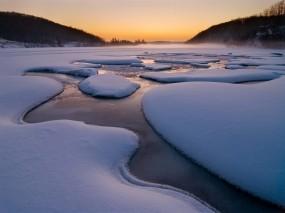Обои Русский север: Зима, Снег, Туман, Ручей, Природа