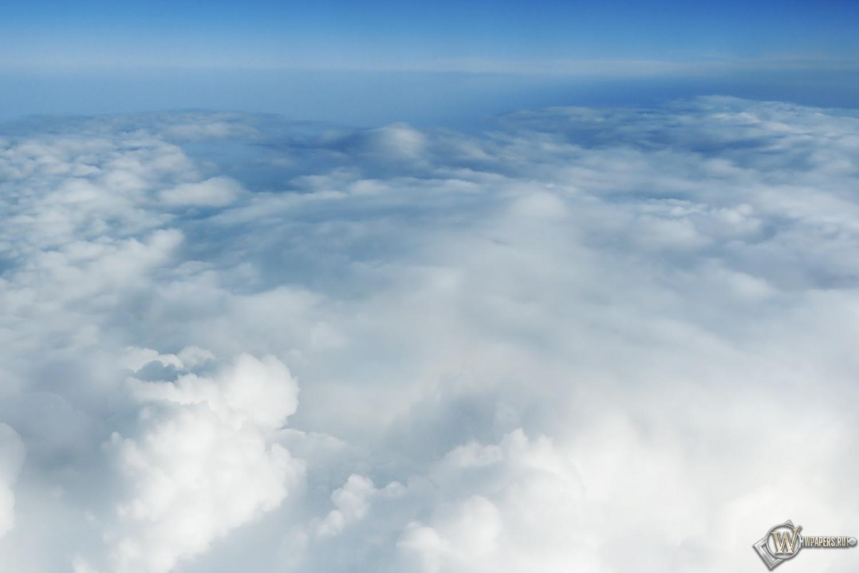 За облаками 1500x1000
