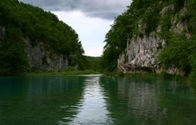 Обои Virginia Water Lake: Деревья, Скалы, Озеро, Небо, Природа