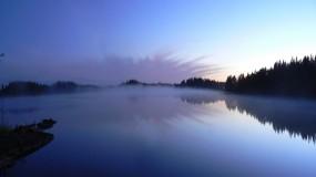 Обои Небо в озере: Отражение, Деревья, Туман, Озеро, Небо, Природа