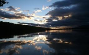 Обои Гроза над озером: Тучи, Вечер, Озеро, Гроза, Природа