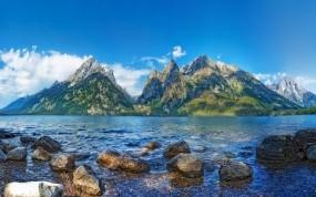 Обои Красивый пейзаж: Облака, Горы, Озеро, Небо, Природа